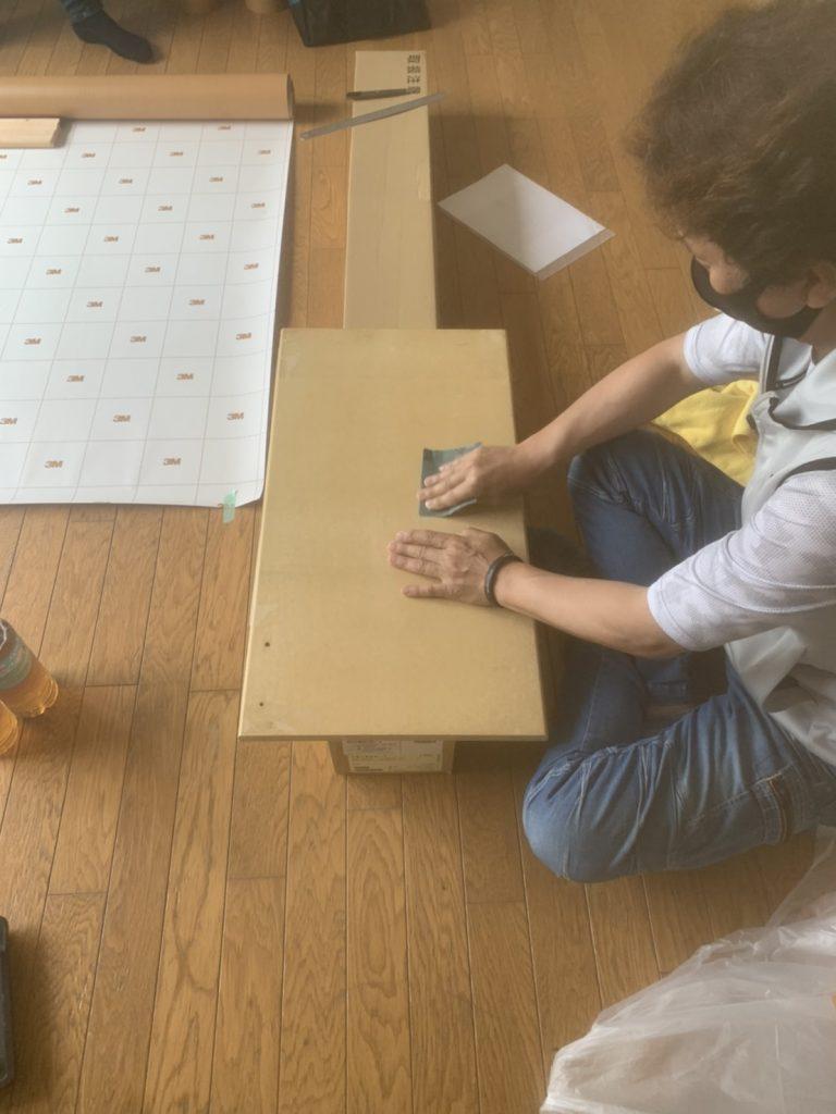 キッチン下の扉化粧シート張り替え